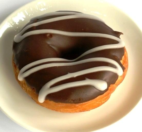 donuts con glassa al cioccolato fondente