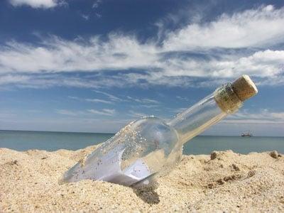 Bottiglie segnaposto per il matrimonio