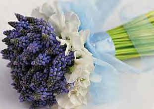 Bouquet da sposa con i muscari