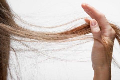 Caduta capelli post parto