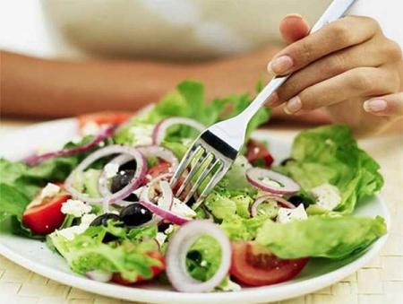 Come mantenere una dieta equilibrata in viaggio