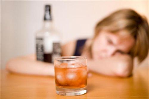 Le cause dell'alcolismo