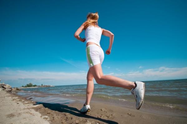 Galleria foto - Addominali come allenarli in spiaggia Foto 1