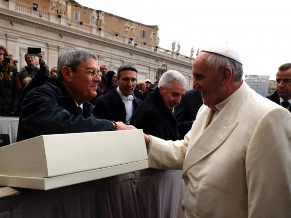 passaro sposa incontro papa francesco 2014_1