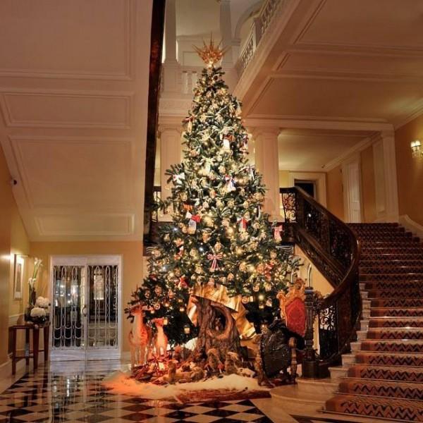 Dolce e Gabbana esclusivo albero di Natale
