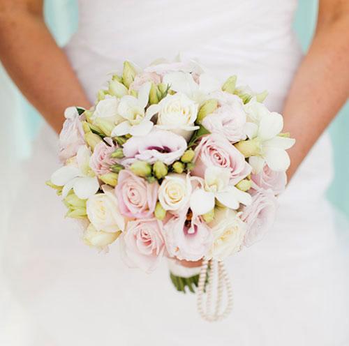 Lisianthus: bouquet e addobbi in chiesa