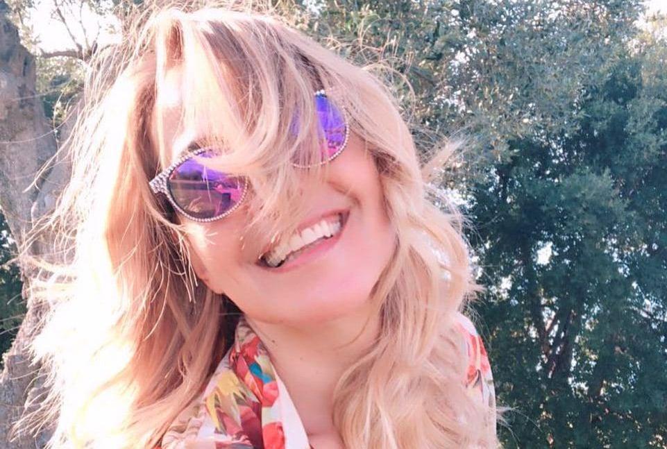 Barbara D'Urso mostra il seno su Instagram