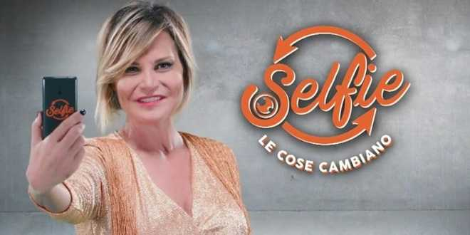 selfie simona ventura maria de filippi