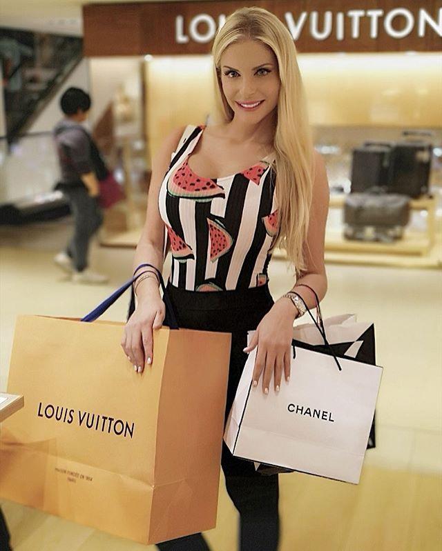 francesca cipriani shopping foto