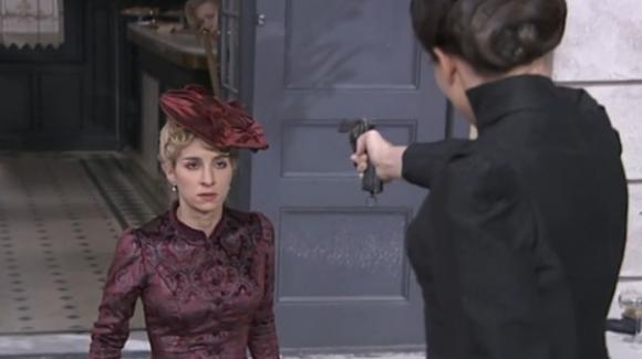 Teresa uccide Cayetana con pistola