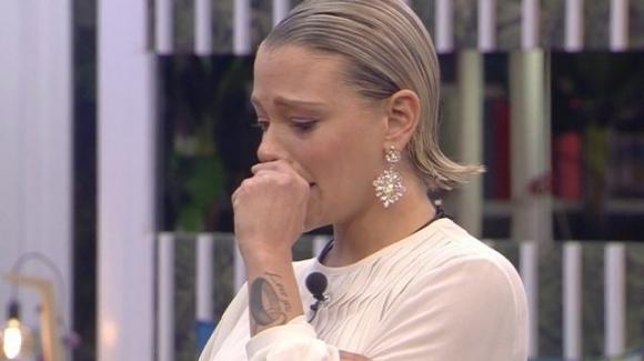 GF Vip: Giulia Provvedi in lacrime dopo il tradimento