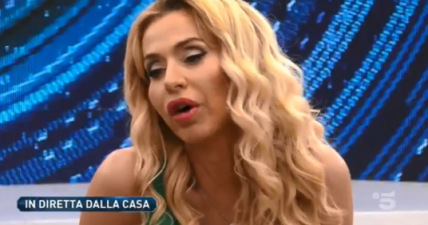 Galleria foto - GF Vip caos: Valeria Marini non ha fatto il tampone? Selvaggia Lucarelli una furia Foto 3