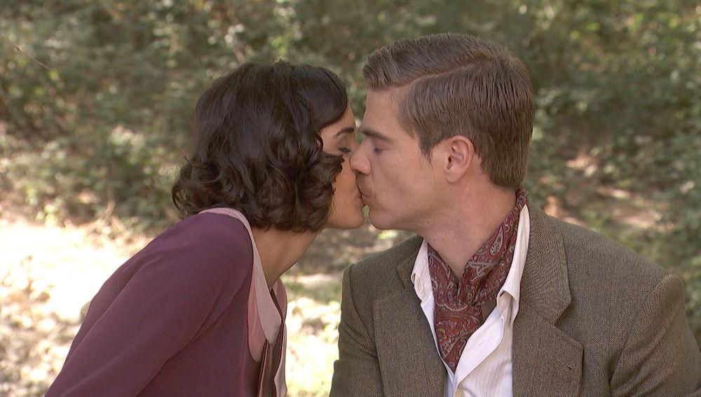 Rosa Adolfo bacio 2