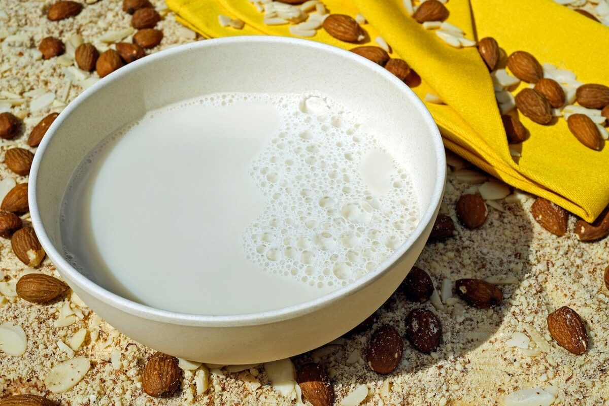 Latte mandorla milk-2594538-1280 Couler Pixabay