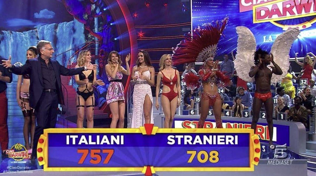ciao-darwin-7-italiani-stranieri