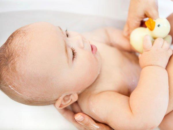 Galleria foto - Sudamina nei bambini: cos'è cure e prevenzione Foto 1