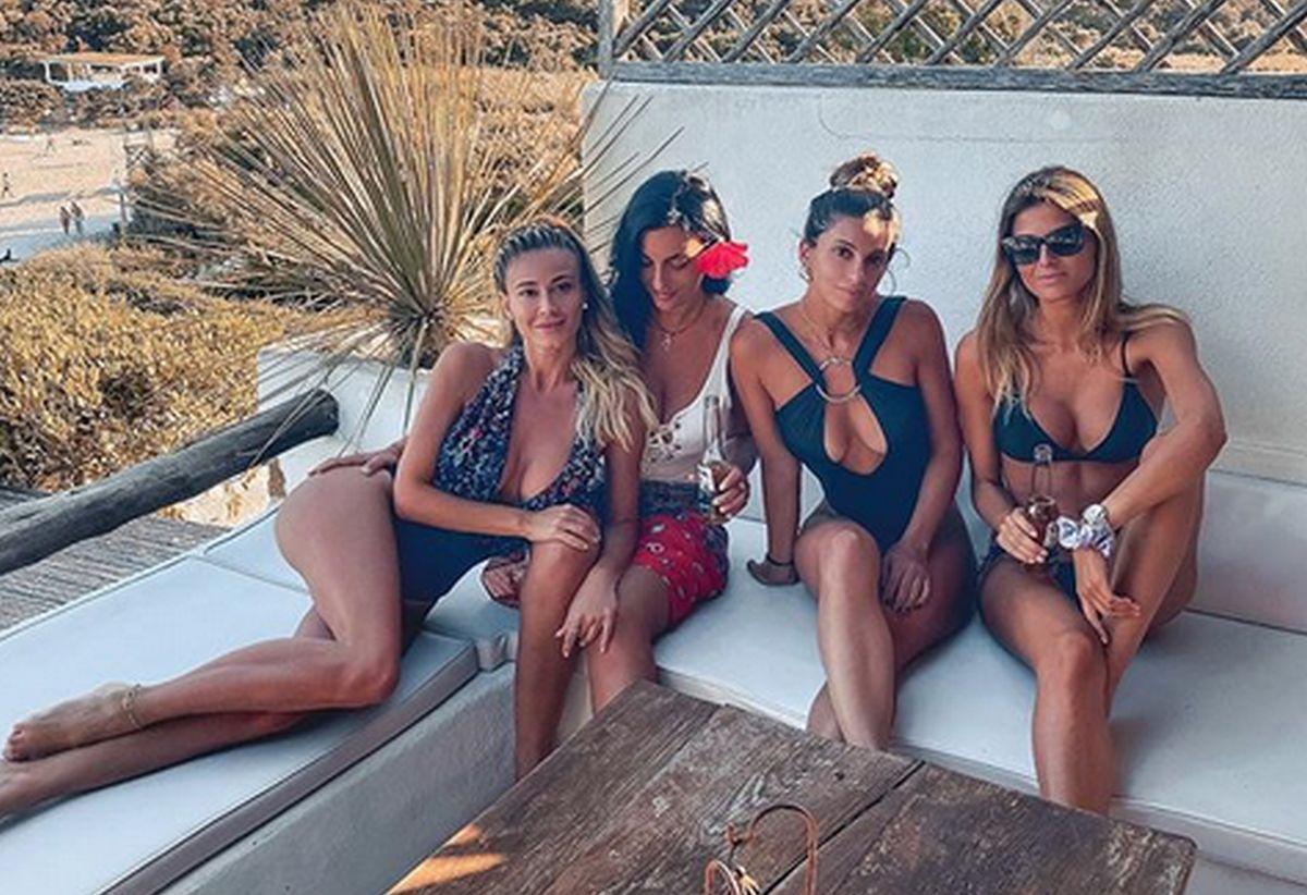 diletta-leotta-si-gode-le-vacanze-insieme-alle-amiche