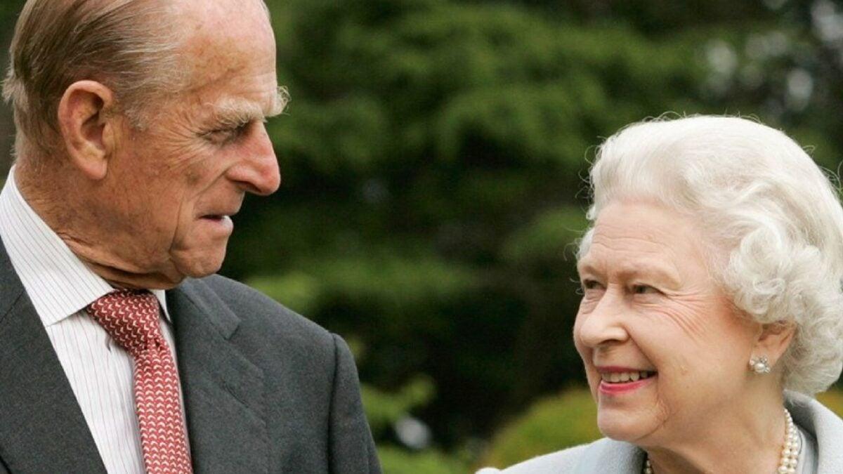 Regina-Elisabetta-e-il-principe-Filippo-1280×720-1