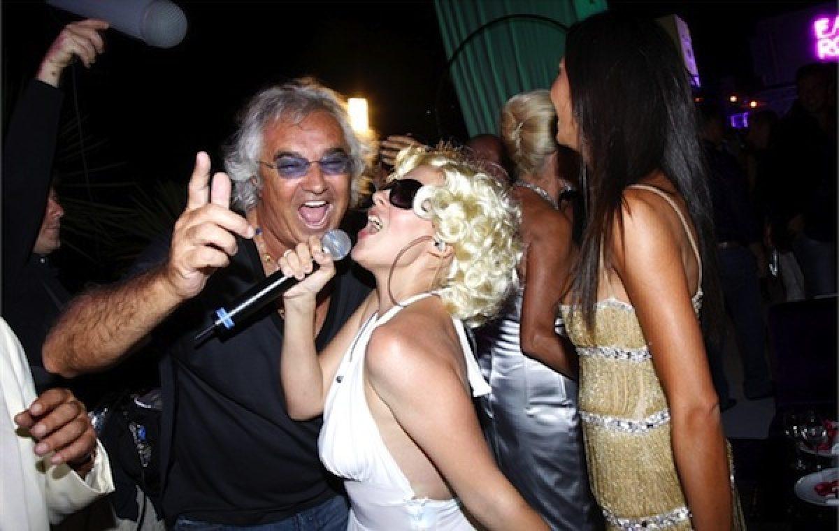 flavio-briatore-chiude-il-billionaire-la-discoteca-dei-vip-a-porto-cervo-2-4484477-0x410-1200×760