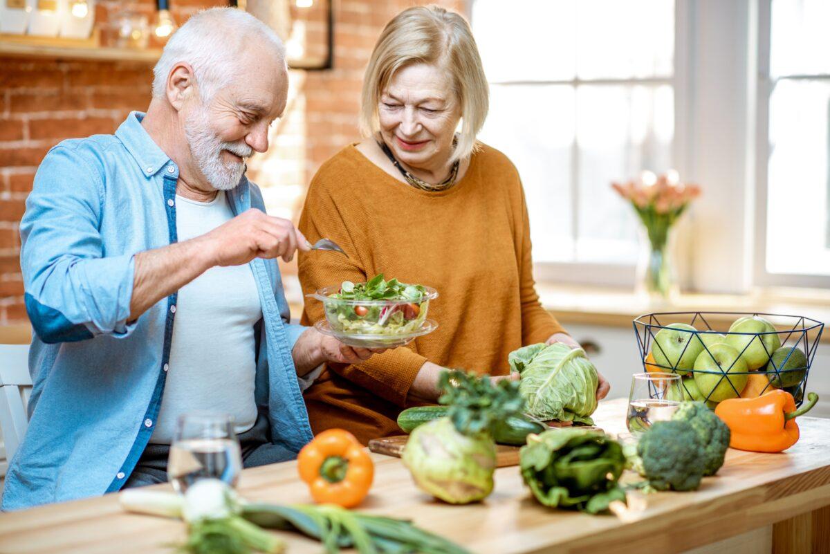 Anziani a tavola-3