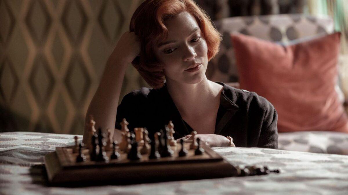la-regina-scacchi-protagonisti-sembrano-familiari-visti-v3-482395-1280×720