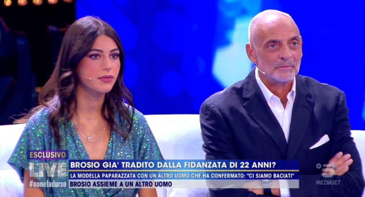 Paolo-Brosio-e-Maria-Laura-a-Live-Non-e-la-dUrso