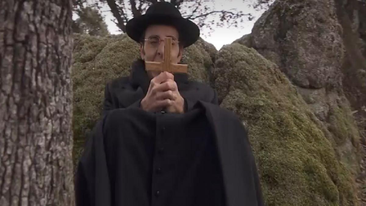 il-segreto-don-filiberto-vuole-uccidere-mauricio-con-un-crocifisso-2550202