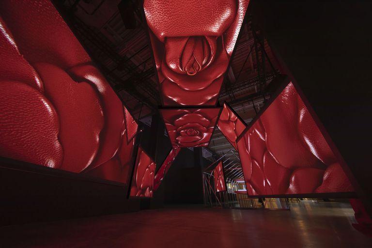 Valentino presenta la mostra multisensoriale a Shanghai