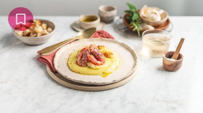 Crema di patate con prosciutto e gamberi