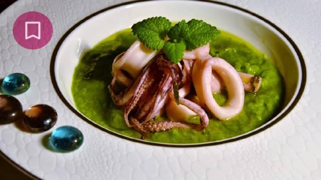 Crema di piselli con calamari