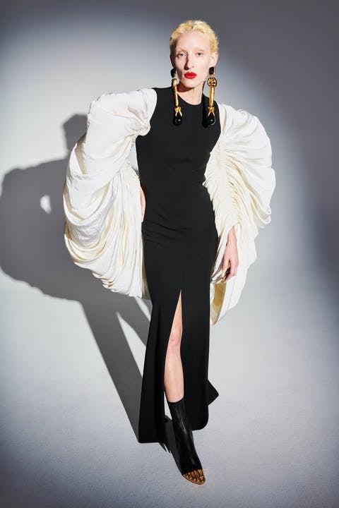 1611569382003225-schiaparelli-haute-couture-spring-summer-2021-daniel-roseberry-lofficielitalia9