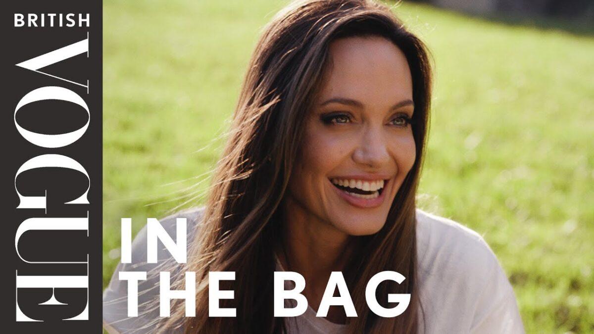 Angelina Jolie posa per Vogue Uk