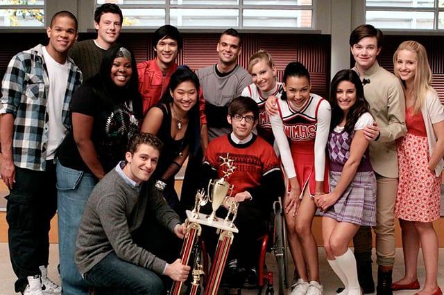 Glee-trama-cast-completo-e-anticipazioni.-Quando-inizia-in-streaming