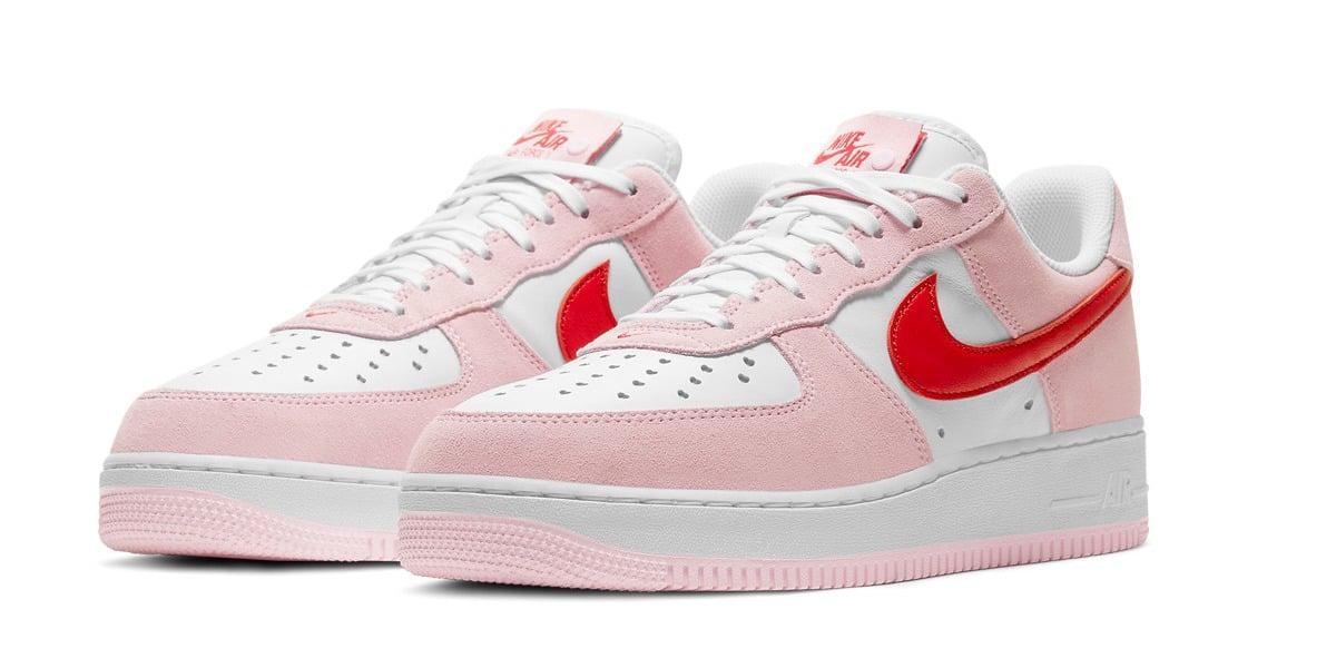 Nike: sneakers a tema per San Valentino