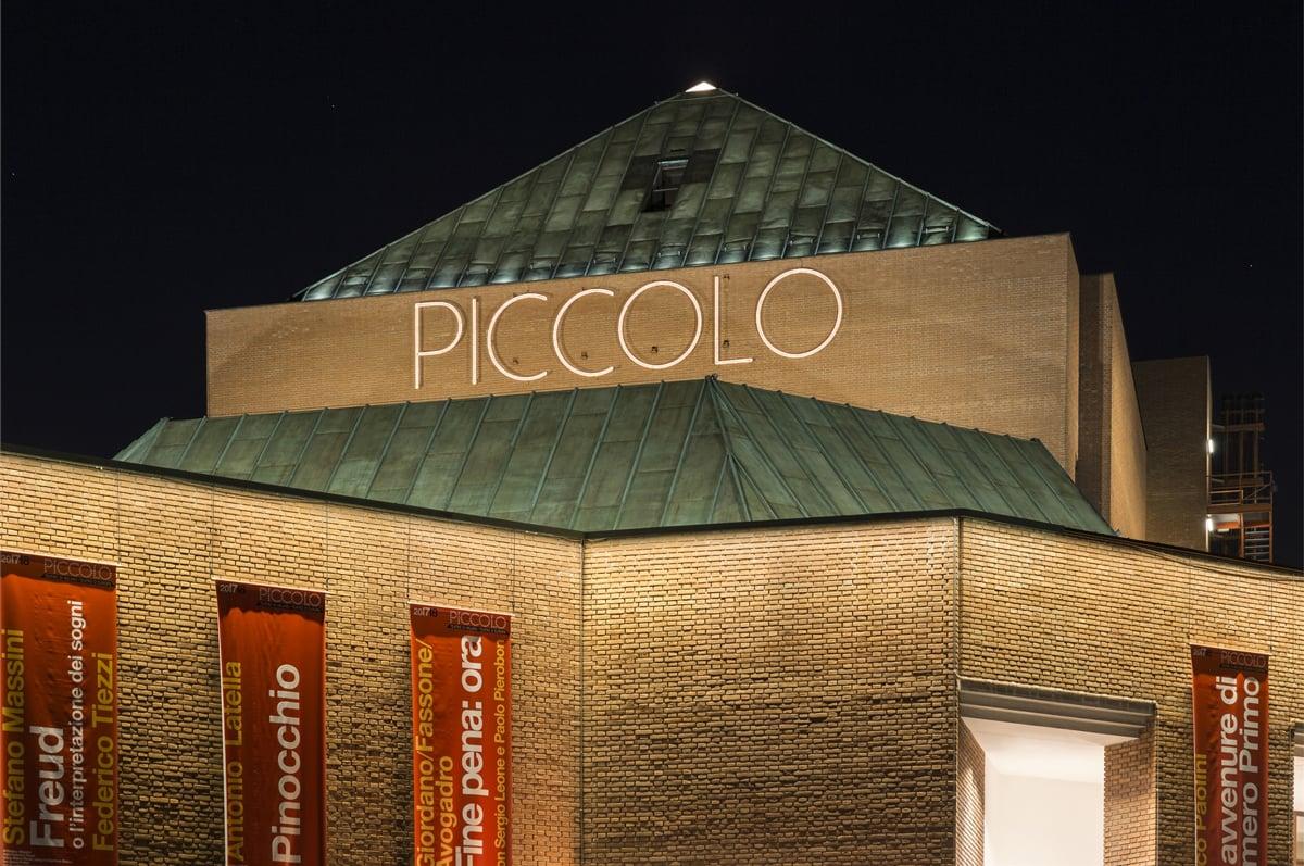 Valentino: sfilata in diretta dal teatro Piccolo di Milano
