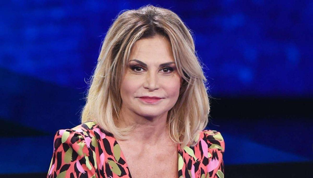 """Simona Ventura rivela: """"Ho sofferto per le calunnie sulla droga"""""""