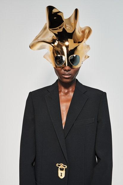 vogue-paris-fashion-week-2021-schiaparelli-autunno-inverno (6)