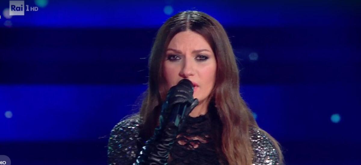 Laura-pausini-si-commuove-a-Sanremo