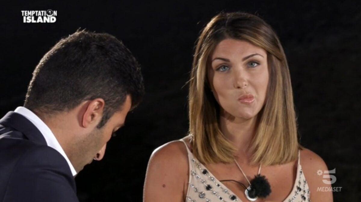 Anna Ascione contro il suo ex