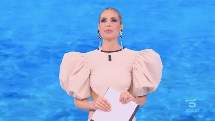 ilary-blasi-sceglie-una-stilista-del-kosovo-ecco-chi-la-veste-stasera