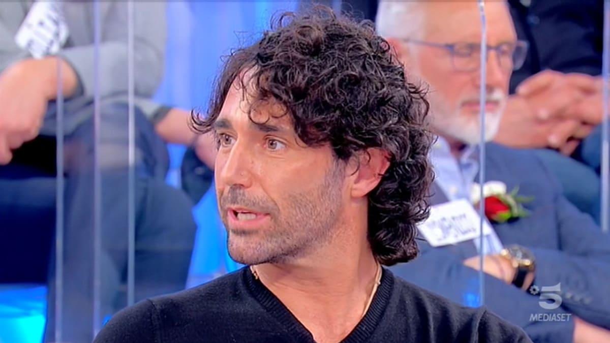Uomini e donne: Luca Cenerelli prende in giro Elisabetta?