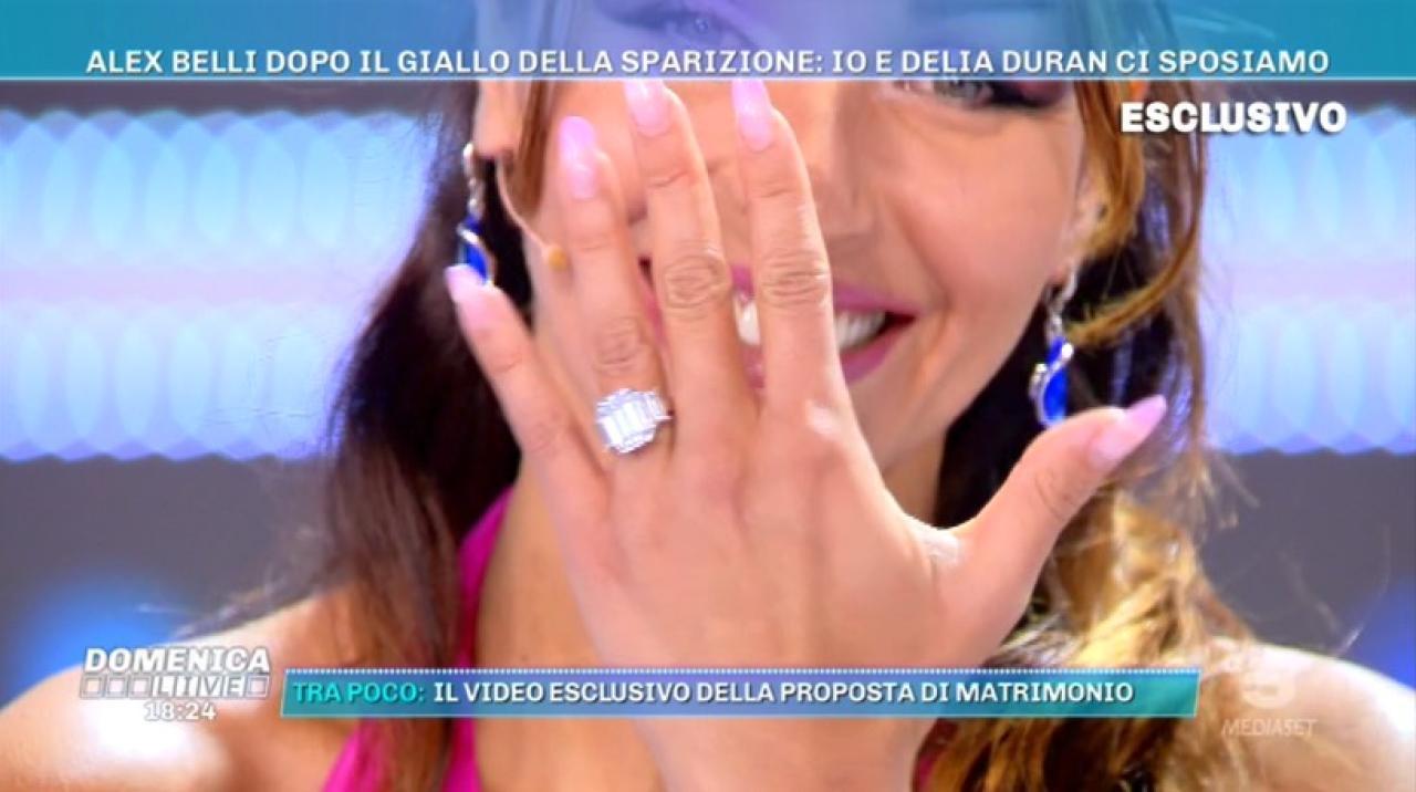 alex-belli-e-delia-duran-la-proposta-di-matrimonio-C-1-article-22704-launch-horizontal-image