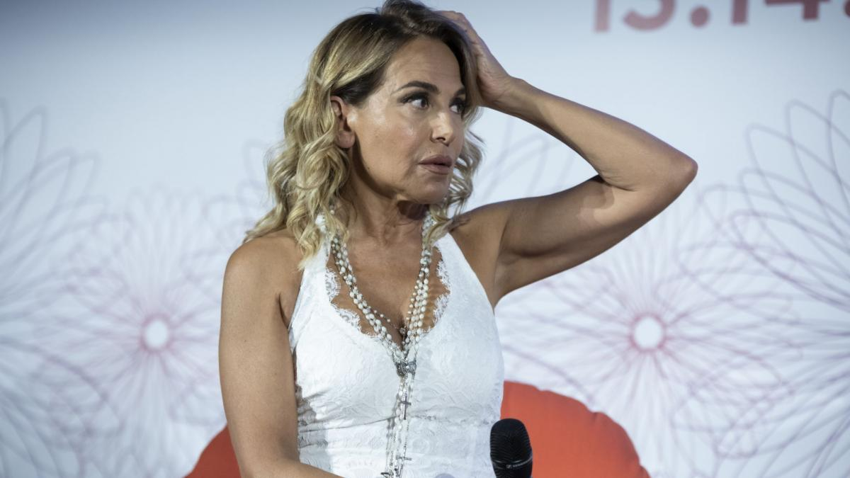 Barbara D'Urso sfida a 3 con Imma Battaglia e la Grimaldi