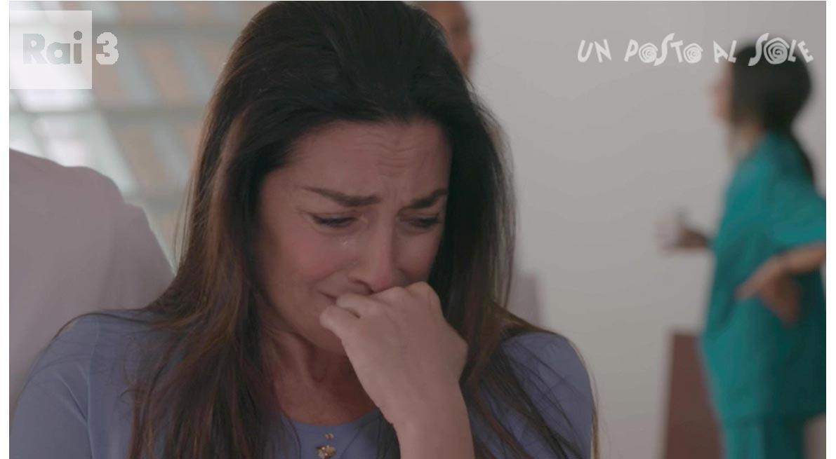 Adele in lacrime upas