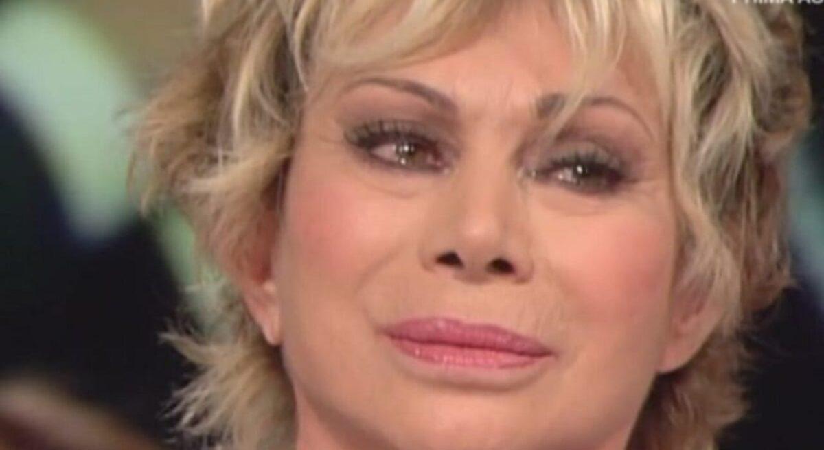 Carmen-Russo-lacrime