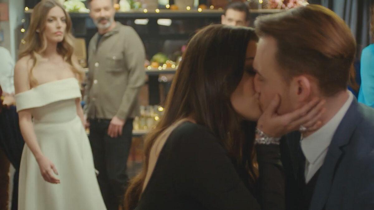 love-is-in-the-air-eda-kisses-serkan